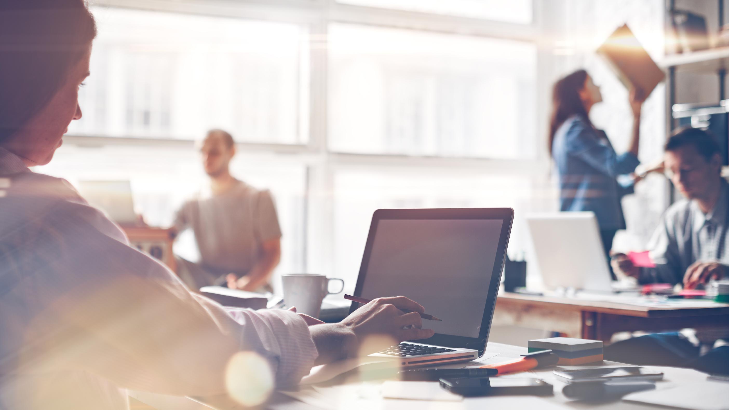 L'importance des bons équipements de bureau pour le confort des salariés