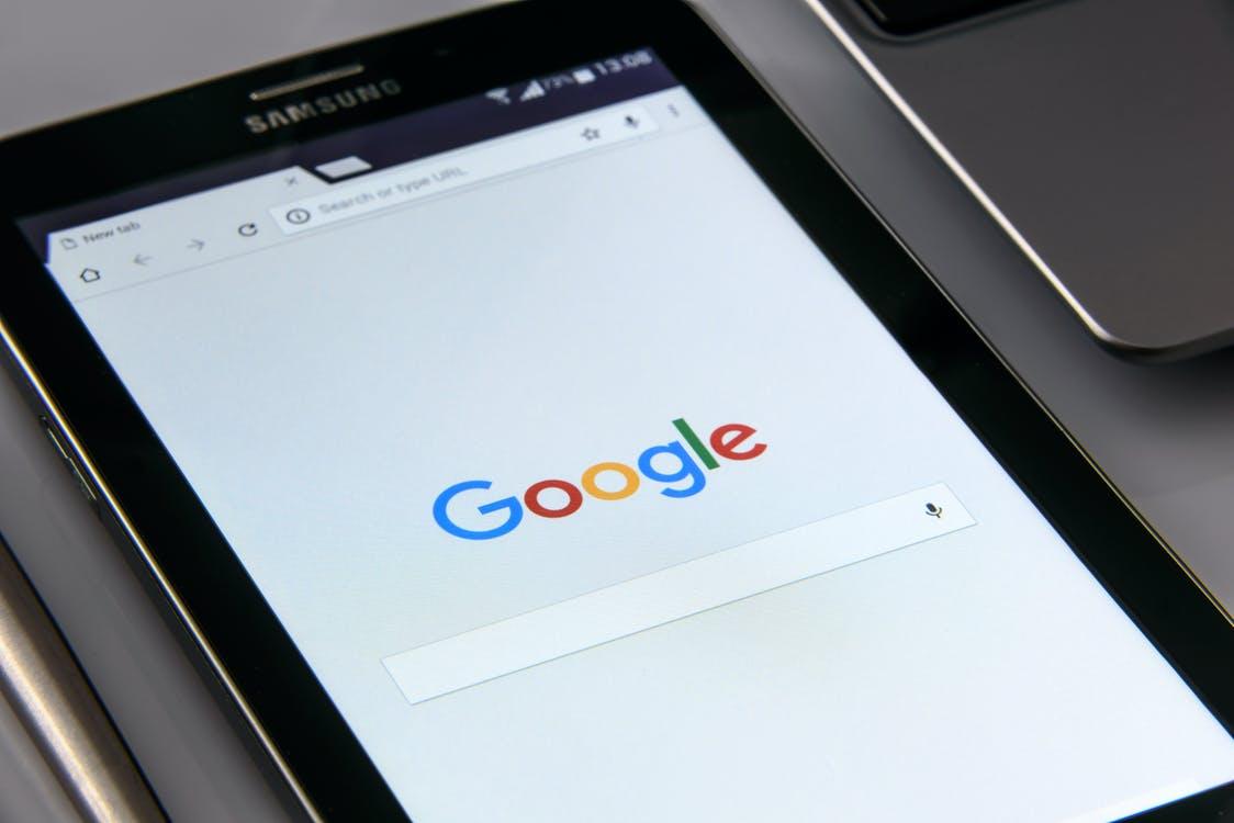 Positionnement SEO : 3 outils gratuits pour vérifier votre classement sur Google